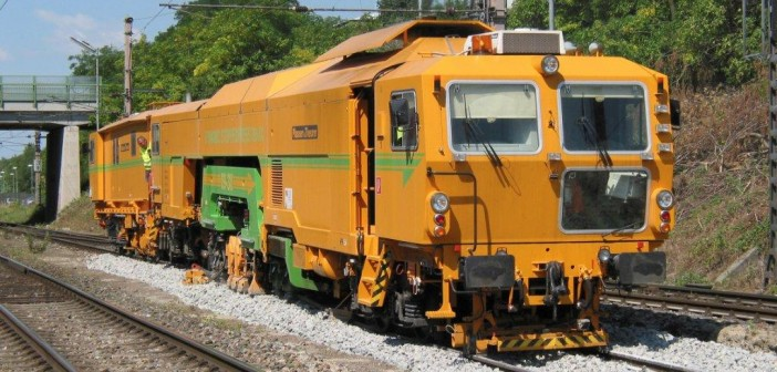 Non-stop tamping – three decades of continuous-action tamping